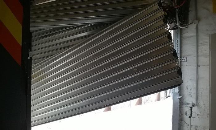 تعمیر فوری درب شیشه ای و کرکره برقی
